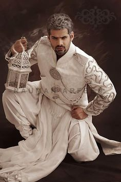 Naushemian-Latest-Groom-Dresses Style 2013-For-Men (1)475 x 71448.9KBdesignerweddingdresses-en.b...