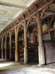vintage stables, Peover Hall...awesome, imagine full of horses...