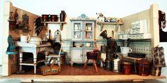 kleine Puppenküche mit schwedischen Möbeln (Gemla)