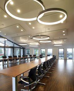 Kreissparkasse Simmern - SATTLER   Modus conference chair by Wilkhahn   #Modus   Palette conference table   #Palette