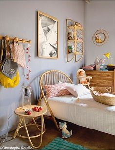NOTE: girls room walls to bring the colors together