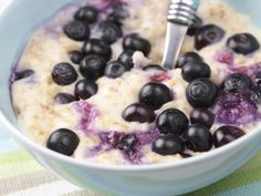 Easy Overnight Oatmeal: So good (and good for you) that you'll never cook oatmeal again.    PREP TIME: 2 minutes   TOTAL TIME: 2 minutes   SERVINGS: 1  ½ c old-fashioned oats, 1 c unsweetened vanilla almond milk, ½ c blueberries, 2 Tbsp slivered almonds   Combine all ingredients in a bowl and refrigerate overnight.