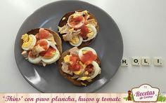 'Thins' con pavo a la plancha, huevo y tomate -  Hoy os traigo uno de los descubrimientos que he hecho este verano: 'Sandwich Thins'. Para aquellos que no hayáis probado este maravilloso pan de 99 calorías, es el mejor aliado para sobrellevar una dieta para perder peso o mantener la figura. Las posibilidades son infinitas: s... - http://www.lasrecetascocina.com/thins-con-pavo-a-la-plancha-huevo-y-tomate/