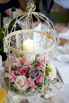 30 Stilvolle Birdcage Wedding Mittelstücke You are in the right place about floral wedding decor Here we offer you the most beautiful pictures about the we Bird Cage Centerpiece, Wedding Decorations, Table Decorations, Deco Floral, Centre Pieces, Elegant Wedding, Wedding Vintage, Trendy Wedding, Vintage Weddings