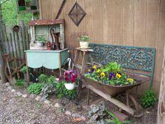 Vintage Garden Decor Inspirational 15 Vintage Garden Decor Ideas that Will Blow . - My Garden Decor List Garden Junk, Garden Cottage, Lawn And Garden, Garden Whimsy, Garden Soil, Rustic Gardens, Outdoor Gardens, Flea Market Gardening, Gardening Blogs