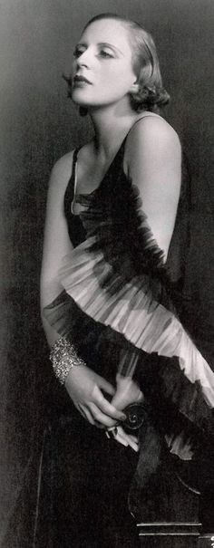 Tamara de Lempicka  photographed by d'Ora Studio, Paris