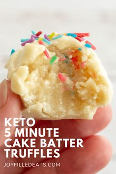 You can make a small batch of these Cake Batter Truffles in just 5 minutes! They taste like a bite of sprinkle laden birthday cake. You can make a small batch of keto truffles in 5 minutes! These keto truffles are vibrant, easy to make, and absolutely delicious. Keto Cake Batter Truffles are the next big thing when it comes to desserts! They are great for on-the-go & can be a keto fat bite. This easy recipe is also low carb, gluten-free, sugar-free, grain-free, and Trim Healthy Mama friendly. Low Carb Deserts, Low Carb Sweets, Low Carb Keto, Keto Fat, Cake Batter Truffles, Keto Birthday Cake, Ketogenic Desserts, Keto Snacks, Comida Keto