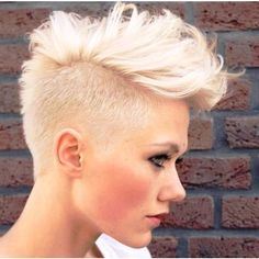 How To Do Best Celebrity Faux Hawk Hairstyles For Women Mohawk hairstyles