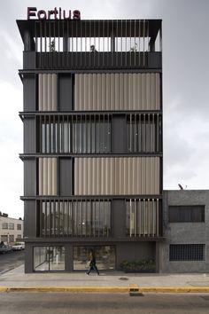 Imagem 2 de 24 da galeria de Remodelação do Edifício de Escritórios Fortius México / ERREqERRE Arquitectura y Urbanismo. Fotografia de Onnis Luque