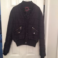 Ladies Fashionable Heavy Jacket Black Stylish Giacca Gallery Brand Black Jacket Size Medium. Once had a detachable hood, but it's not noticeable that it's missing. Giacca By Gallery Jackets & Coats