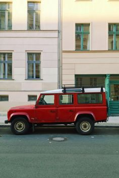Land Rover / photo by Teodorik Mensl