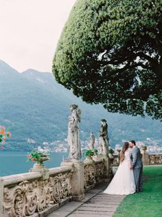 Intimate Real Wedding on the Shores of Lake Como | Wedding Sparrow | Justine…
