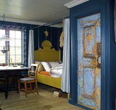 Эльза Роновиг – норвежская домохозяйка, писательница, общественный деятель и член Государственного совета по культурному наследию. Эльза всем сердцем ратует за сохранение домов – памятников классических норвежских архитектуры и стиля. В своем сказочном доме она создала традиционный норвежский стиль.