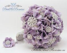 Antique Lavender Vintage-Style Brooch Bouquet