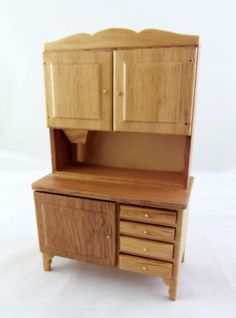 Dolls-House-1-12-Furniture-Light-Oak-Kitchen-Flour-Bin-Bakers-Dresser-Hoosier