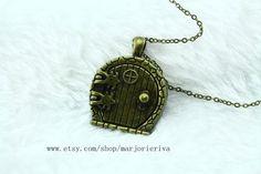 The hobbit jewelry  door locket necklace can open von marjorieriva, $3.30