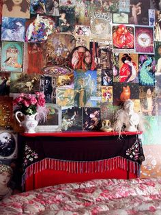 Devine boho inspiration. --Picture wall by Romany Soup, via Flickr
