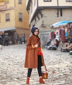 You& see a lot of this about me in this coat, this winter . Modesty Fashion, Muslim Fashion, Hijab Fashion, Fashion Outfits, Hijab Elegante, Hijab Chic, Hijab Wear, Hijab Outfit, Turkish Fashion