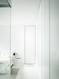 Elisa Ossino Studio — Private Home — Milan Minimalist Interior, Minimalist Bedroom, Modern Interior Design, Interior Architecture, Apartment Interior, Apartment Design, Home And Deco, Interior Inspiration, Home Accessories