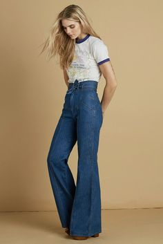 Waiting For The Sun Bells - ultimate high waisted flares and retro tee! Love this look!