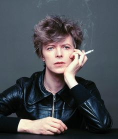 Masayoshi Sukita found his perfect muse in David Bowie. The photographer has worked with the pop icon for 40 years, taking pictures of Bowie. Iggy Pop, Ziggy Stardust, Lady Stardust, Jean Michel Basquiat, Freddie Mercury, Michel Delpech, Let's Dance, Dancing, Duncan Jones