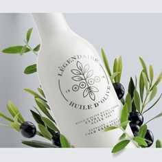 Légendaire Olive Oil (Concept) on Packaging of the World - Creative Package Design Gallery Olive Oil Packaging, Cool Packaging, Brand Packaging, Olives, Cocunut Oil, Interactive Web Design, Extra Virgin Oil, Olive Oil Bottles, Packaging Design Inspiration