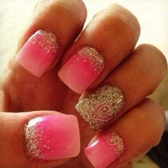 Love the heart in the all glitter nail