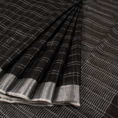 Handwoven Linen Saree With Stripes & Silver Zari Border 10022370 - AVISHYA.COM
