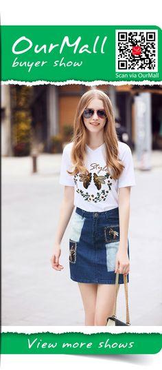denim skirt and pattern T shirt  #skirt #circleskirt #midiskirt #pleatedskirt #laceskirt #pencilskirt #Maxiskirt #skirtskater #kneelengthskirt #bohoskirt #denimskirt