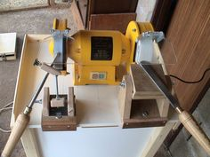 Sharpening jig for woodturning tools