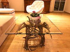 #geweih #geweihdeko #dekogeweih #Hirschgeweihdeko #Hirschgeweih #antler #deer #chalet #jagdhütte #chaleteinrichten #almhütte #geschenkefürjäger #geweihmöbel #designereinrichtung #antler #hunt #hunting # antler table #landhaus couchtisch #landhaus couchtisch glas #landhaus #hirsch #holz #wood #geweih couchtisch #chalet alpin #rustic #rustikal Designer, Dining Table, Modern, Furniture, Home Decor, Antler Lamp, Cottage Chic, Rustic, Artworks