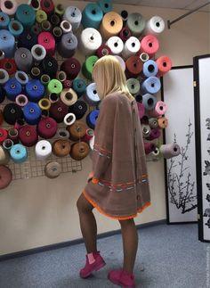 Купить или заказать Платье-туника №119 вязаная из 30% итальянской шерсти в интернет-магазине на Ярмарке Мастеров. Платье-туника вязаная из шерсти, украшена кружевом ручной работы хлопковой нитью.
