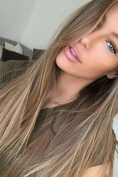 Natural light brown hair - My mostly like blonde hair - Frisuren Dark Blonde Hair Color, Hair Color And Cut, Natural Dark Blonde, Light Brunette Hair, Brown Blonde Hair, Hair Color Caramel Blonde, Level 6 Hair Color, Brown To Blonde Hair Before And After, Medium Ash Blonde Hair