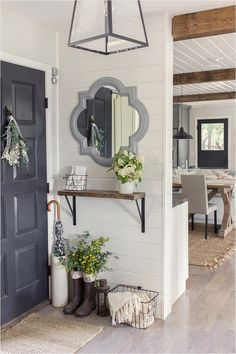 Spring Home Tour (& a Giveaway!) 2019 Spring Home Tour small entryway/foyer ideas The post Spring Home Tour (& a Giveaway!) 2019 appeared first on Entryway Diy. Style At Home, Halls Pequenos, Foyer Decorating, Decorating Ideas, Decor Ideas, Decorating Bookshelves, Small House Decorating, Wall Ideas, Diy Ideas