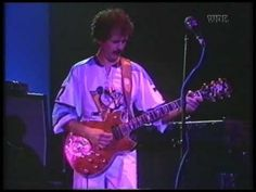 One of the great guitar instrumentals, Carlos Santana - Samba Pa Ti (Live 1980)