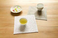 笹と梅の刺繍をほどこしたマットは、日本茶や和のお菓子によく似合います。/和スタイルの楽しみ方(「はんど&はあと」2013年1月号)