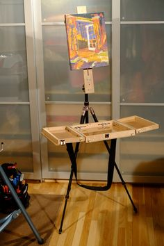 http://spencemunsinger.com/portable-easel-and-palette-on-a-tripod/