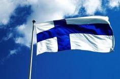 Suomalaisuutta kuvaa parhaiten Suomen lippu - Sinivalkoinen jalanjälki