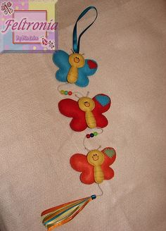 Móbile borboletas coloridas, via Flickr.
