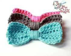 Easy crochet bows. Literally takes about 5 minutes, and would be REALLY easy to change to any size you want!