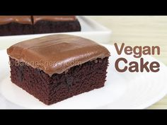 Creamy and Moist Vegan Chocolate Cake Recipe. This easy-to-make dessert has a soft texture and rich chocolate flavor, topped with a creamy and delicious peanut butter frosting. No eggs, no butter, no milk, and no mixer required. Lemon Mousse Cake, Vegan Lemon Cake, Vegan Cake, Delicious Chocolate, Chocolate Flavors, Vegan Chocolate, Microwave Chocolate Mug Cake, Chocolate Butter Cake, Easy To Make Desserts