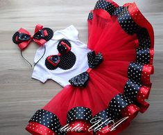 These Bright Red tutu set Minnie Mouse is so adorable on! Material is very soft … These Bright Red tutu set Minnie Mouse is so adorable on! Material is very soft and elastic. Can be worn for pictures, birthdays, special… Weiterlesen → Tutus For Girls, Dresses Kids Girl, Kids Outfits, Baby Tutu, Baby Dress, Red Tutu, Kids Wear, Doll Clothes, Kids Fashion
