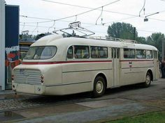 Bus Coach, Classic Motors, Vintage Trucks, Car Humor, Coaches, Old Cars, Motorhome, Budapest, Transportation