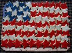 And more stars! Patriotic red, white, and blue decorated star cookies make an American flag platter for Memorial Day, Fourth of July, or Flag Day picnic. Patriotic Party, 4th Of July Party, Fourth Of July, Patriotic Desserts, Patriotic Crafts, July Crafts, Patriotic Cupcakes, Patriotic Images, Americana Crafts