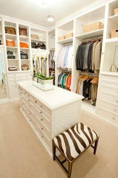 ...una cabina armadio = taaaanti vestiti!!