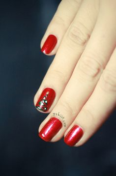 Close-up Nail art Christmas Tree Nailside Inspiration