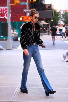 Flare jeans | Galería de fotos 39 de 48 | VOGUE