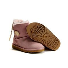 ru If u wanna order the UGGs,pls send the pic and talk to Amy to get more info on the site Real Ugg Boots, Cheap Snow Boots, Ugg Snow Boots, Kids Ugg Boots, Ugg Boots Sale, Ugg Winter Boots, Boots For Sale, Ugg Kids, Pink Uggs