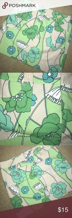 Loft skirt Very cute like new loft skirt.  Perfect for spring! LOFT Skirts