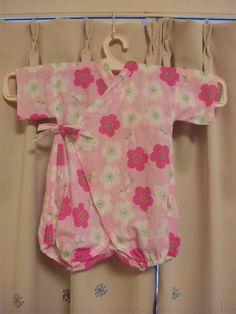 100均手作りロンパース甚平 Baby Kimono, Kids Patterns, Baby Boots, Kids Prints, Yukata, Handmade Baby, Baby Sewing, Nursery Room, Diy And Crafts